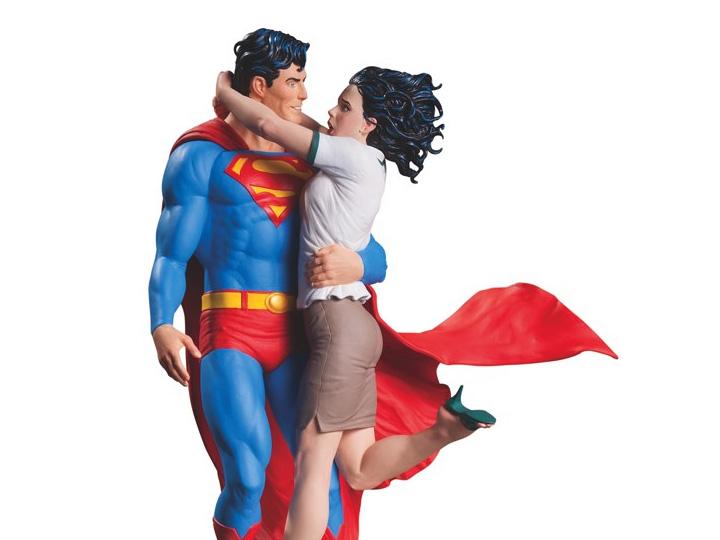 Dc Designer Series Superman Lois Lane Statue Gary Frank