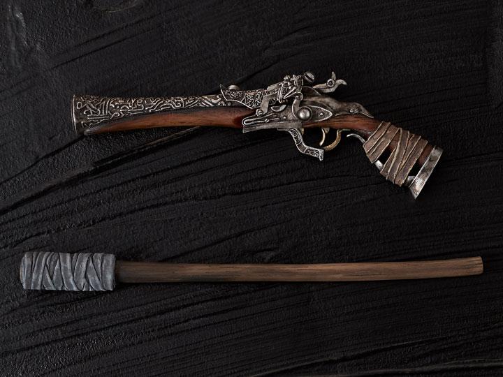 Bloodborne Hunter/'s Arsenal 1//6 Statue Hunter Pistol /& Hunter Torch Gecco