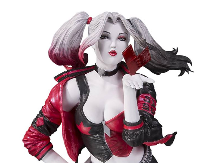 DC Direct Statue Harley Quinn Red Black and white by Stanley Lau