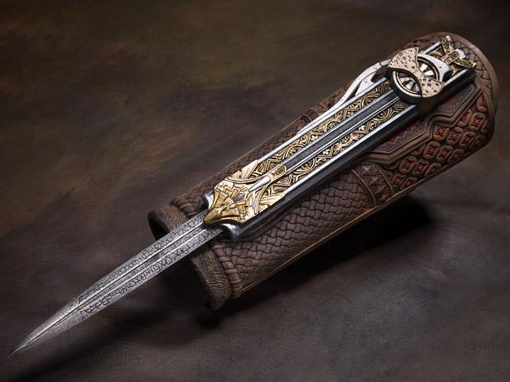 Assassins Creed Hidden Blade Action Figure Statue Model