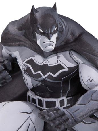 Batman Black and White Limited Edition Statue (Joe Madureira)