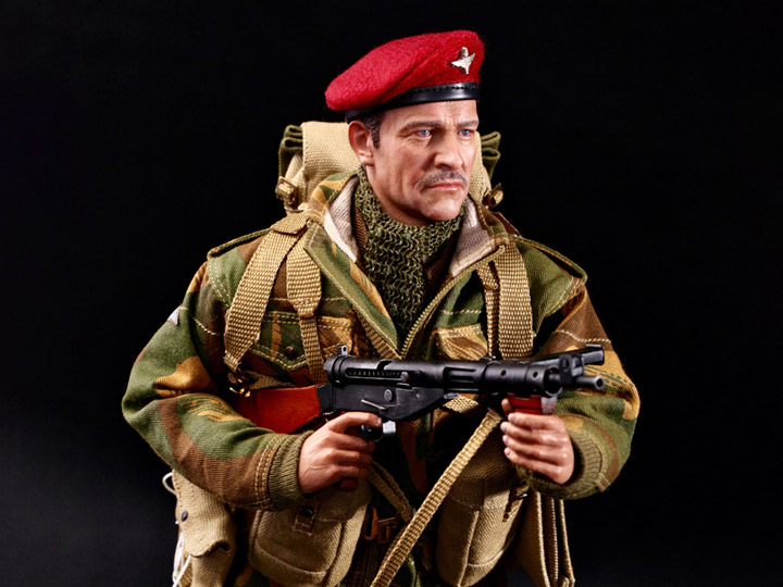 Red Beret 1//6 Scale DID Action Figures Roy Red Devils Commander