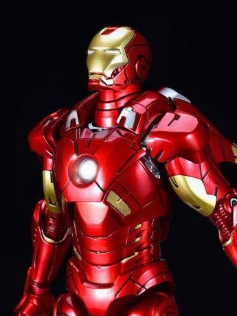 Iron Man 3 Die-Cast Iron Man Mark VII 1/12 Scale Figure
