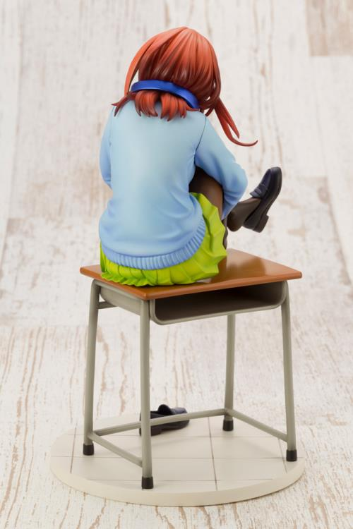 Details about  /Figure Anime 1//8 scale The Quintessential Quintuplets Miku Nakano PVC Newyear
