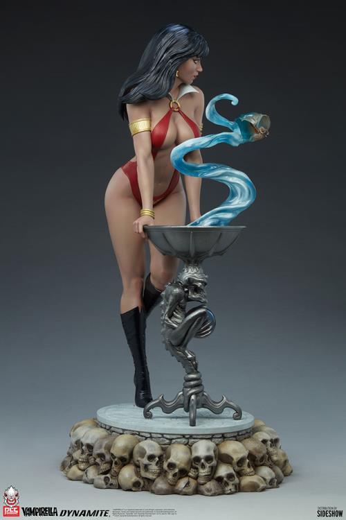 Premium Collectibles Studio : Vampirella 1:3 Scale Statue 4750984e-6d89-4814-a2e4-823d178ece16