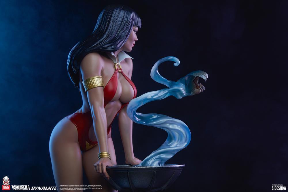 Premium Collectibles Studio : Vampirella 1:3 Scale Statue 6228fac5-0d67-4c2c-b703-91d60e3811e2