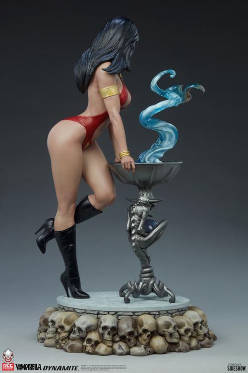 Premium Collectibles Studio : Vampirella 1:3 Scale Statue 77753f27-cb97-4920-8323-a49b8deb7b14
