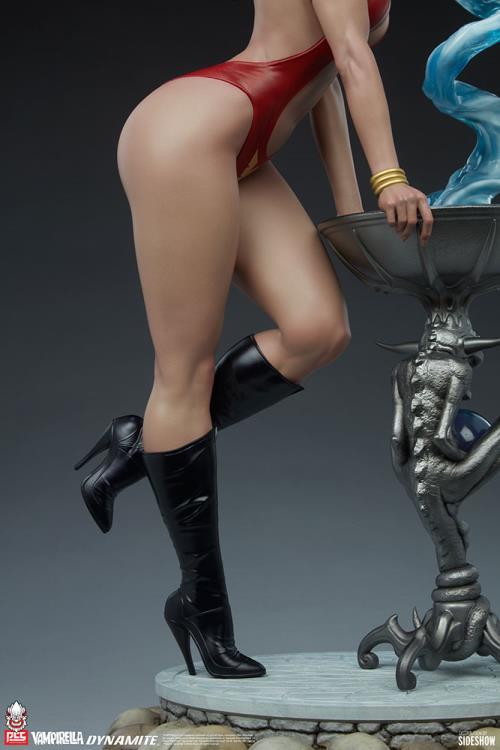Premium Collectibles Studio : Vampirella 1:3 Scale Statue 996b2c17-be47-4637-bcf0-9700a46c5f0a