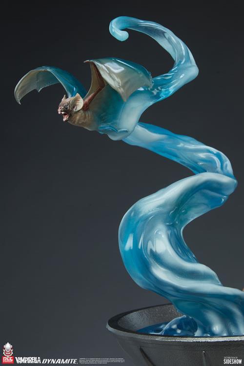 Premium Collectibles Studio : Vampirella 1:3 Scale Statue Da8f8439-de8b-48e7-937e-2d6e1218d17e