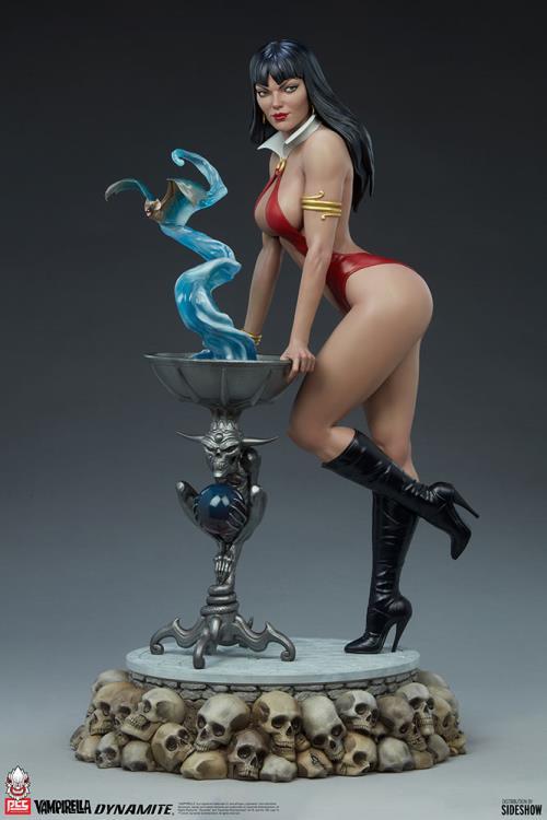 Premium Collectibles Studio : Vampirella 1:3 Scale Statue F5ae05d5-dc43-4d63-ad0d-0e24f4e3b168