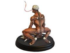 Licker 1/4 Scale Statue