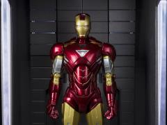 Iron Man 3 S.H.Figuarts Iron Man Mark VI & Hall of Armor Set