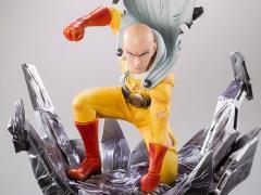 One-Punch Man Xtra Saitama Statue