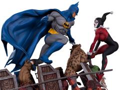 Batman Vs. Harley Quinn Battle Statue