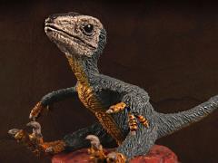 "Utahraptor ostrommaysorum Baby ""Breeze"" 1/35 Scale Museum Class Replica"