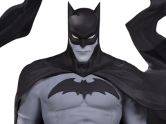 Batman Black and White Statue (Becky Cloonan)