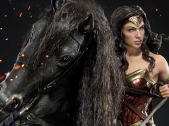 Wonder Woman Museum Masterline Wonder Woman on Horseback 1/3 Scale Statue