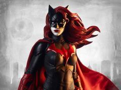 DC Comics Premium Format Batwoman