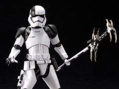 Star Wars ArtFX+ First Order Stormtrooper Executioner (The Last Jedi) Statue
