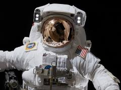 The Real Astronaut (ISS EMU ver.) 1/4 Scale Statue