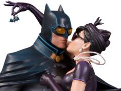 DC Bombshells Batman & Catwoman Deluxe Limited Edition Statue