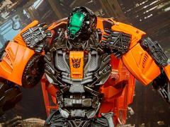 Transformers Studio Series 17 Deluxe Shadow Raider