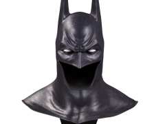 Batman: Arkham Asylum DC Gallery Batman Cowl 1/2 Scale Limited Edition Replica