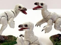 Beasts of the Mesozoic: Raptor Series NST04 Nestlings Three-Pack (White)