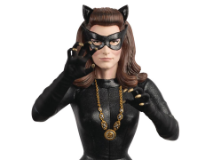 DC Comics Batman Universe Bust Collection #28 Catwoman (1966)