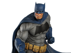 "DC Comics Batman ""Dark Knight"" Maquette"