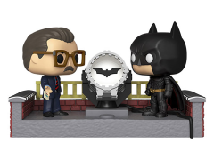 Pop! Movie Moment: Batman 80th - Batman with light-up Bat-Signal (2005)