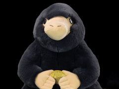 Fantastic Beasts: The Crimes of Grindelwald Giant Niffler Plush