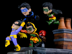 DC Comics Q-Master Batman Family Knight Out Diorama