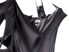Batman Black and White Limited Edition Statue (Todd McFarlane)