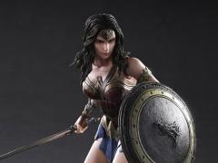 Batman v Superman Play Arts Kai Wonder Woman