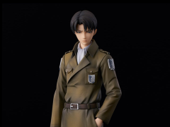 Attack on Titan Levi (Coat Style) Figure