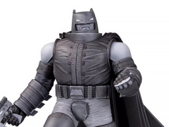 Batman Black and White Armored Batman Limited Edition Statue (Frank Miller)