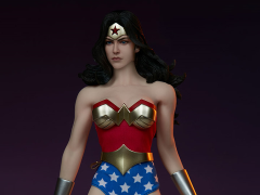 DC Comics Wonder Woman 1/6 Scale Figure