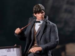 Fantastic Beasts: The Crimes of Grindelwald Newt Scamander 1/12 Scale Figure