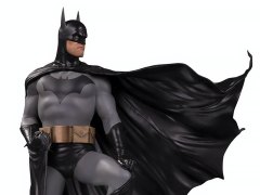 DC Designer Series Batman Limited Edition Deluxe Statue (Alex Ross)