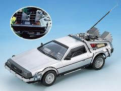 Back to the Future DeLorean 1/24 Scale Model Kit (Limited Release Ver.)