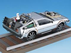 Back to the Future Part III DeLorean (Railroad Ver.) 1/24 Scale Model Kit (Limited Release Ver.)