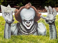IT Chapter Two Pennywise Ground Breaker Lawn Decor