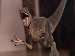 Jurassic Park Velociraptor (Attack) 1/10 Art Scale Limited Edition Statue