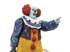 IT (1990) Gallery Pennywise Figure