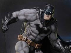 Batman: Hush Museum Masterline Batman (Black Ver.) 1/3 Scale Statue