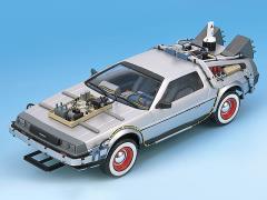 Back to the Future Part III DeLorean (Railroad Ver.) 1/24 Scale Model Kit