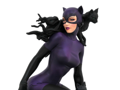 DC Comics Gallery Catwoman (1990s) Figure