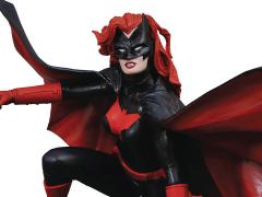 DC Comics Gallery Batwoman Figure