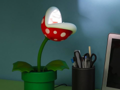 Super Mario Bros. Piranha Plant Posable Lamp